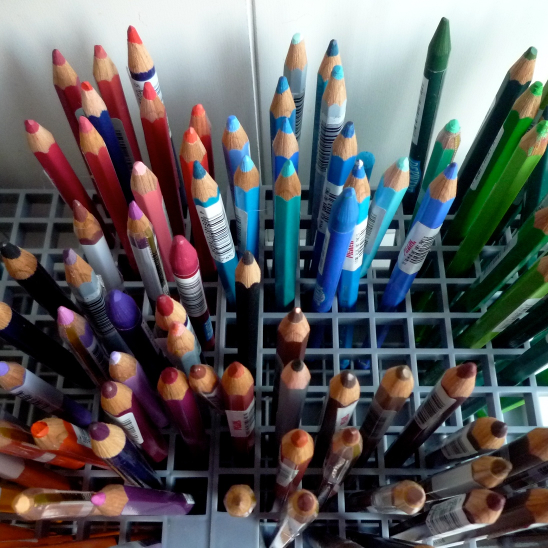 colored-pencils-in-holders-top-view_4630417556_o